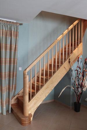 Escalier droit en frêne